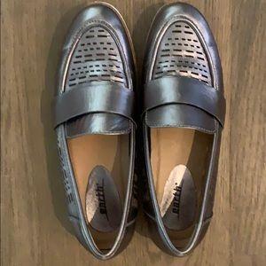 Earth Masio Silver Metalic Shoes
